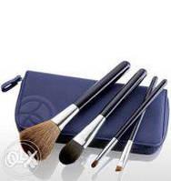 48285 Ив Роше Набор кистей для макияжа в футляре (4 шт) Yves Rocher