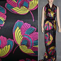 Атласная ткань стрейч черная в малиново голубые цветы атлас
