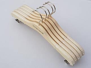 Длина 33 см, в упаковке 5 штук. Плечики для нижнего белья Women Secret цвета натурального дерева