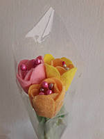 Тюльпаны к 8-му марта Букет из трех тюльпанов.