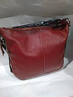 Женская кожаная сумка красная через плечо вместительная