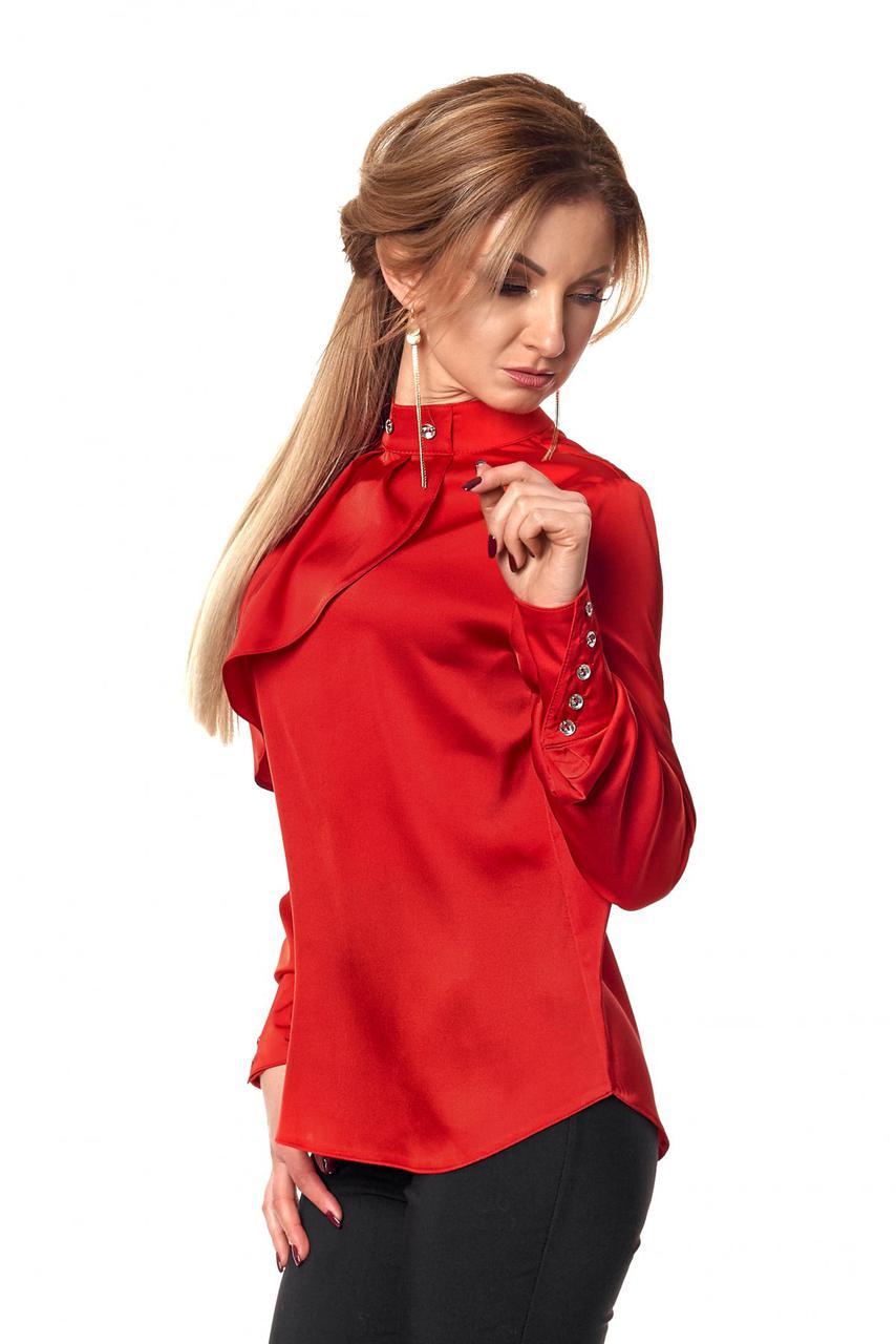 Стильная яркая офисная блуза из атласа оригинального покроя.