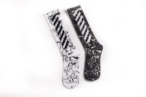 Высокие носки Off white с мраморным принтом