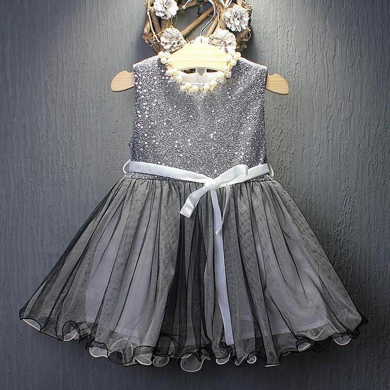 Нарядное платье с пайетками размер 116.