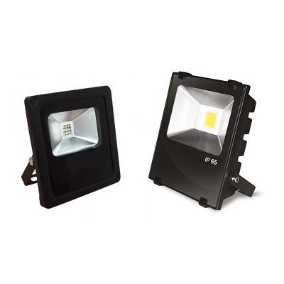 Сравнение внешнего вида светодиодных прожекторов уличных 10 Вт эконом и премиум класса