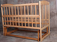 Детская  кроватка на шарнирах
