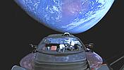 Falcon Heavy успешно запустил электрокар к орбите Марса!