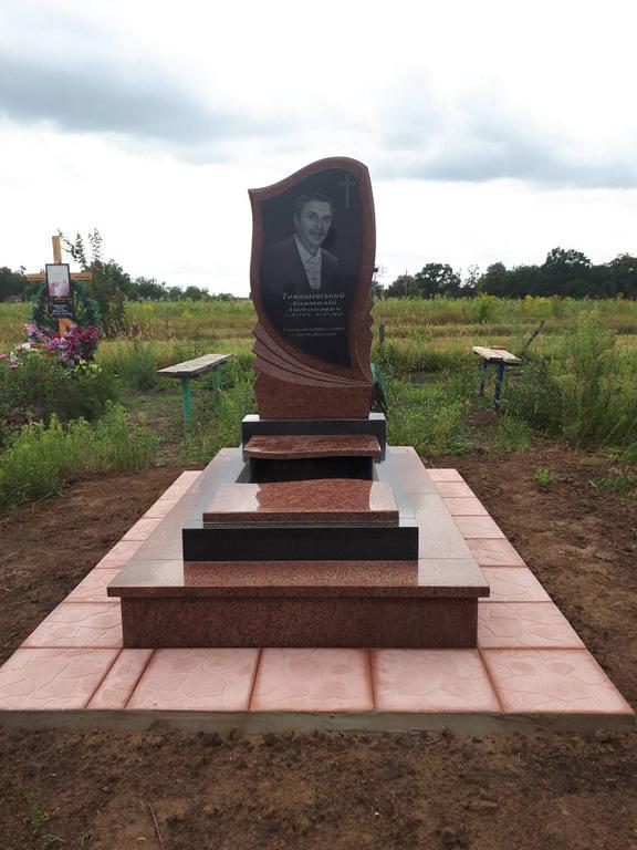 Памятник из гранита  2