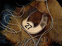 Номерок металлический фигурный с покрытием золото, 35х25 мм, односторонний (Цепочка и колечко: Да; ), фото 1