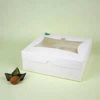 Коробка 240*250*90 для капкейков с окном (9 шт) белая
