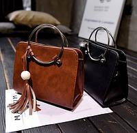 Модная каркасная сумка с ручками кольцами и мраморным оттенком