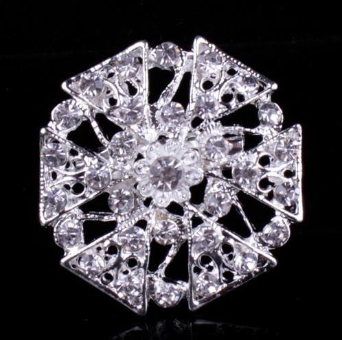 Брошь Хрустальный цветок серебро sbB7/ цвет серебро