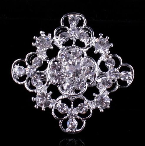 Брошь Хрустальный цветок серебро sbB8/ цвет серебро