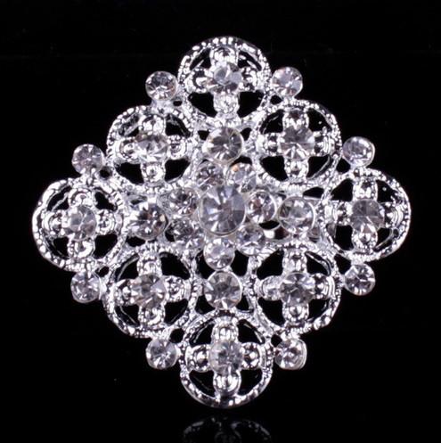 Брошь Хрустальный цветок серебро sbB10/ цвет серебро
