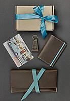 """Женский набор кожаных аксессуаров """"Флоренция"""" (тревел-кейс, обложка для паспорта, брелок, открытка)"""