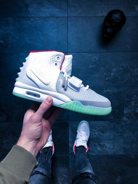 d1d89c20 Мужские кроссовки Nike Air Yeezy 2 NRG Wolf Grey Pure Platinum АТ-629 - «