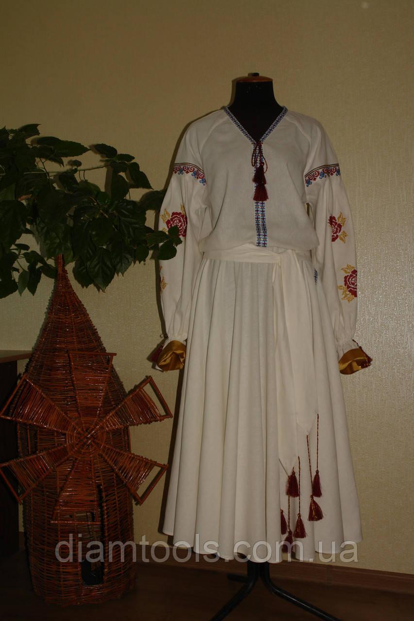 Вышитое платье для венчания.
