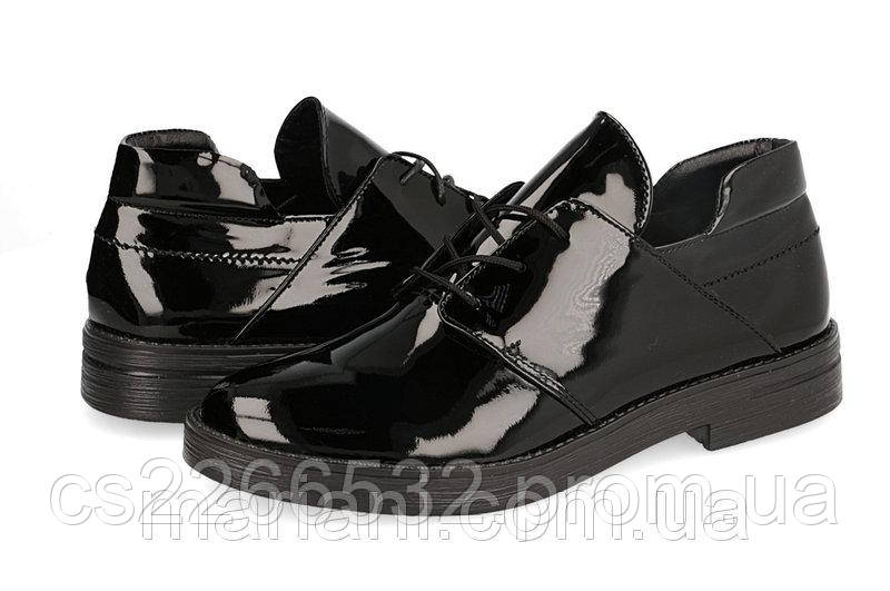 7d04ee6cce92 Женские туфли на шнурках из черной лаковой кожи - Интернет - магазин