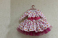 Праздничное платье на девочку с оригинальным принтом и пышным фатиновым подъюбником