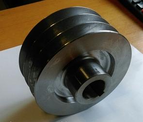 Шків трехручейный (зовнішній діаметр 150 мм, внутрішній 30 мм, тип В)