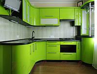 Кухня с крашеными глянцевыми фасадами №1