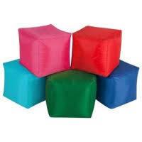 Детские бескаркасные кресла, пуфы для детей