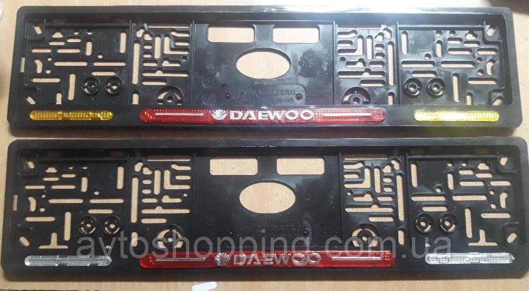 Рамка под номер с отражателями (катафотами) с металлической надписью Daewoo (Део) , Мольберг, Рамка Черная