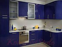 Кухня с крашеными глянцевыми фасадами №9