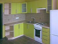 Кухня с крашеными матовыми фасадами №18