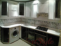 Кухня с пластиковыми фасадами №20