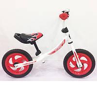 Детский беговел красный, надувные колёса