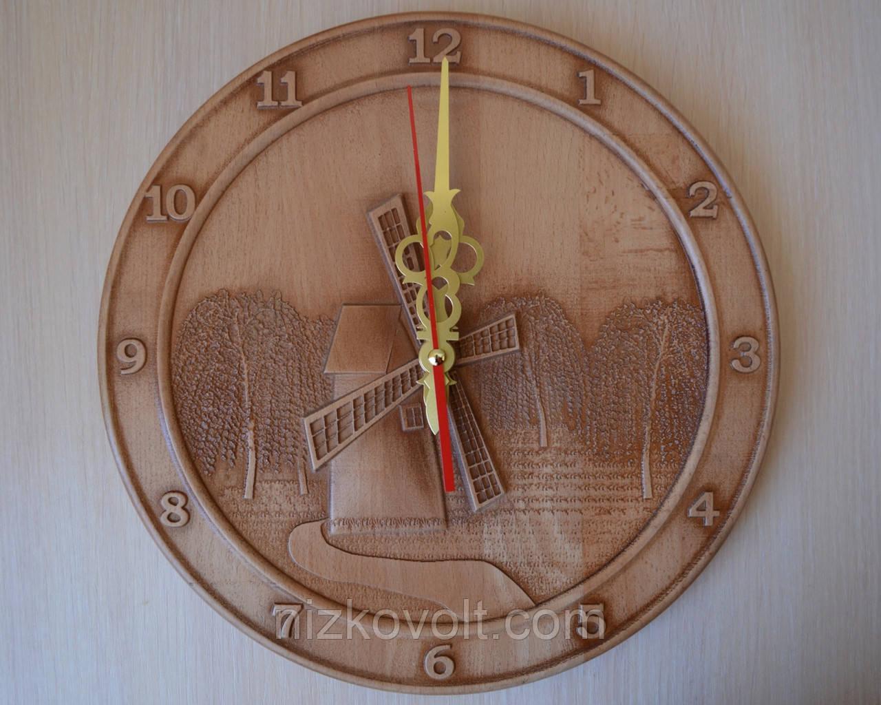 """Деревянные резные часы  """"Мельница"""""""