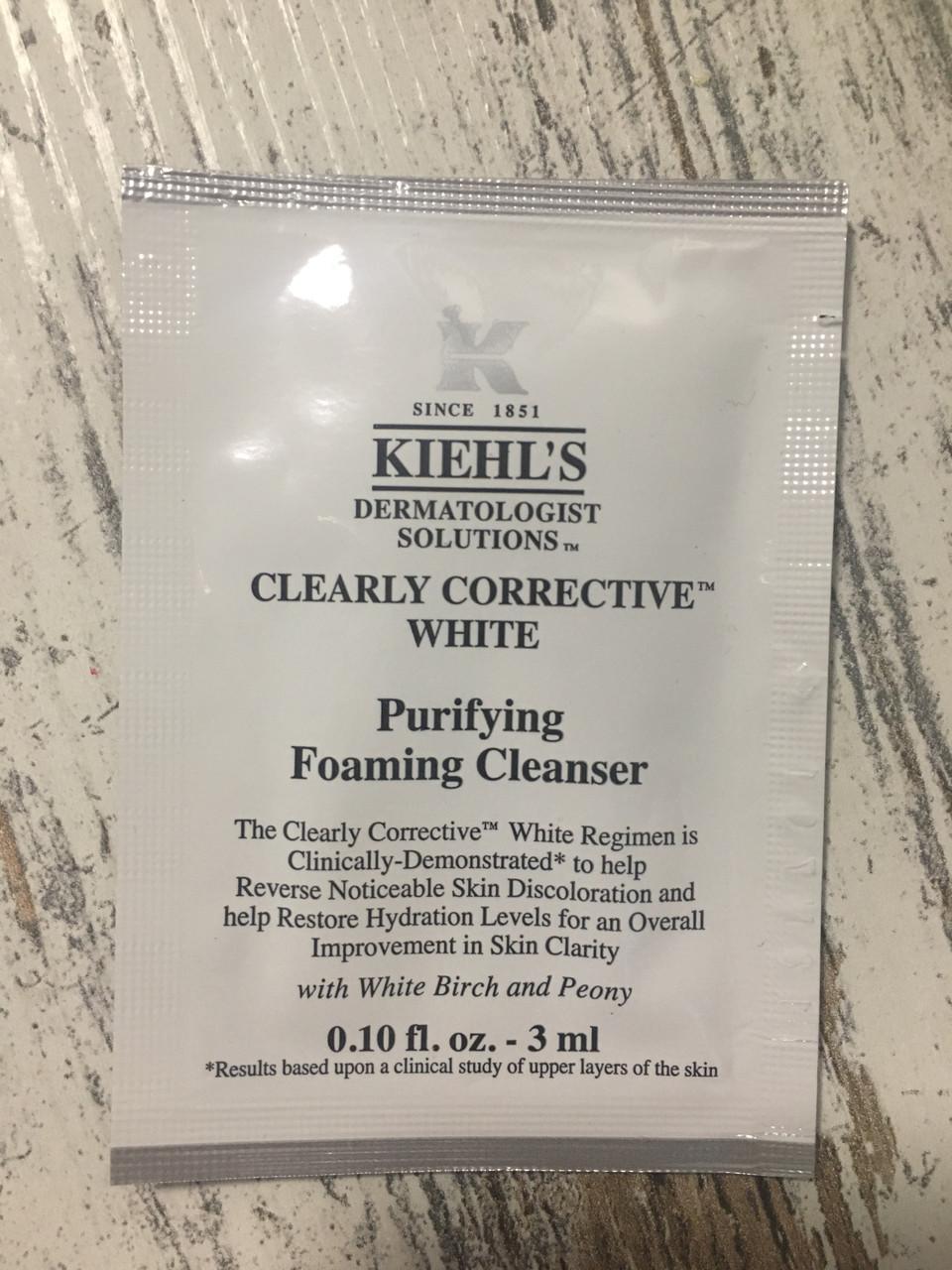 Очищающее средство Kiehl's clearly corrective cleanser