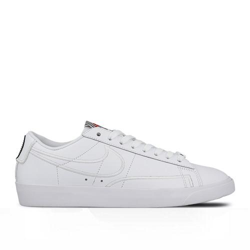 premium selection bcc33 c9e8f Оригинальные кроссовки Nike Blazer Low Valentine's Day