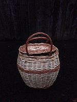 Корзина с крышкой плетёная из лозы