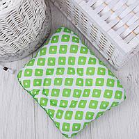"""Подушка для новорожденных с плюшем """"Зелёные ромбики"""""""
