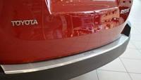 Накладка на бампер с загибом для Тойота РАВ 4 с 2013-2016 гг.