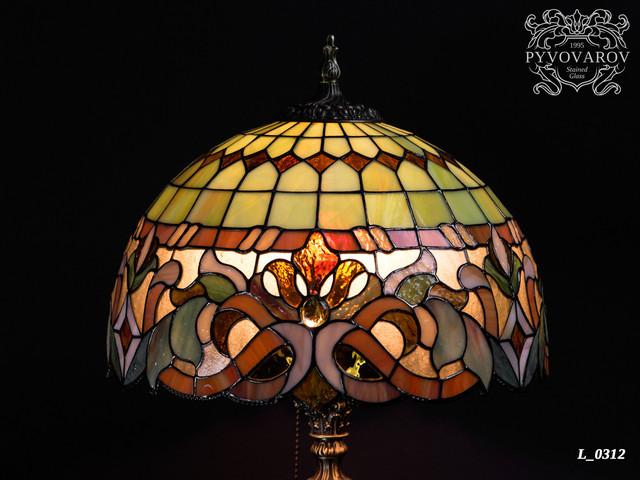 Лампа Тиффани в кабинет