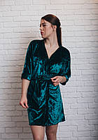 Женский велюровый халат на запах изумрудного цвета