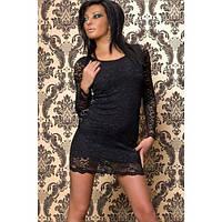 Черное платье с кружевными вставками по бокам