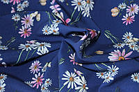Ткань супер софт нежные ромашки на синем фоне, фото 1