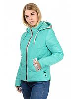Женская  весенняя куртка с отделкой из ткани серебро