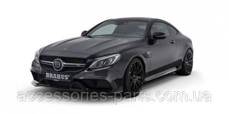«Заряженному» Mercedes-AMG C63 S добавили стиля и мощности