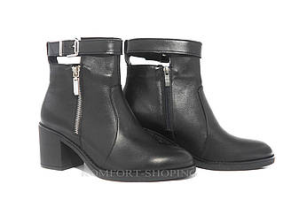 Женские кожаные черные  ботинки на  каблуке   V 1158
