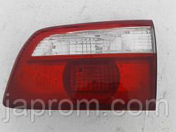 Фонарь крышки багажника правый Mazda 626 GW 2000-2002г.в. универсал