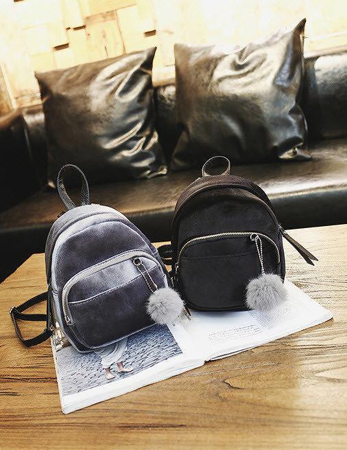 77f97969ebb6 Бархатные милые велюровые рюкзаки с помпоном. Стильный аксессуар для  прогулок. Хорошее качество. Код