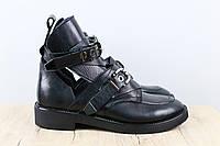 Модные и стильные ботинки на низком ходу. Стиль милитари