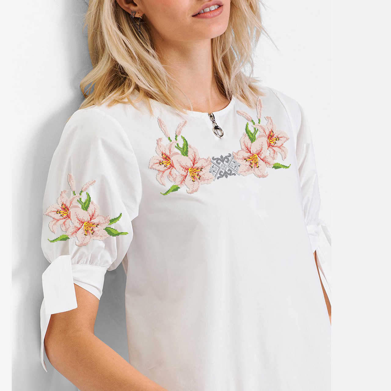 Заготовка вишиванки жіночої сорочки та блузи для вишивки бісером Бисерок «Чарівні лілії» (Б-129 ГБ)