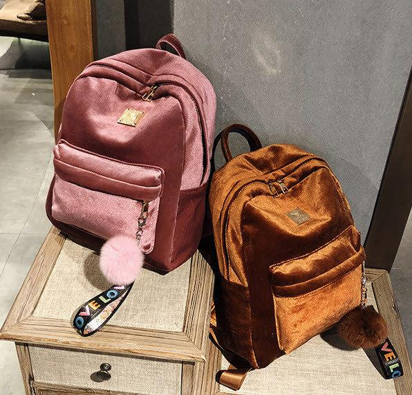 d43fe4ddd976 Новомодный большой бархатный велюровый рюкзак с помпоном для модных  девушек. Хорошее качество. Код: