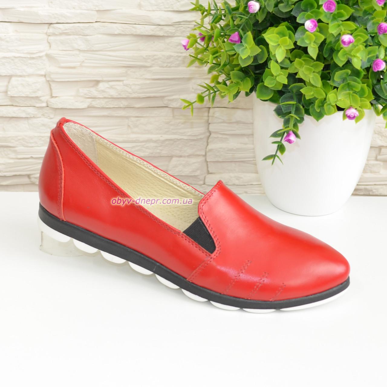 Туфли женские из натуральной кожи красного цвета